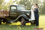 Smithville country wedding with old vintage truck
